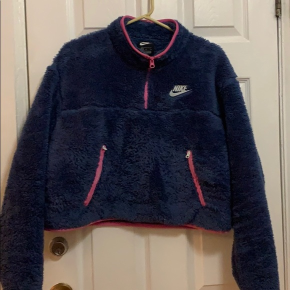 Nike cropped fleece blue with pink trim